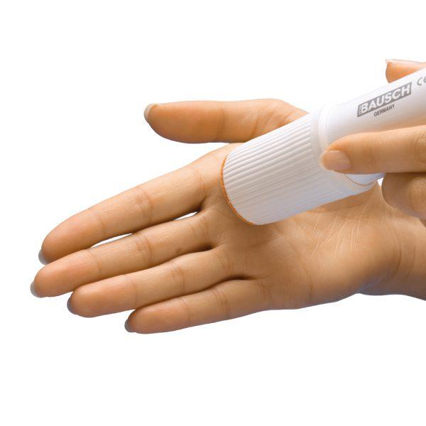 Voorbeeld eelt verwijderen op de handen